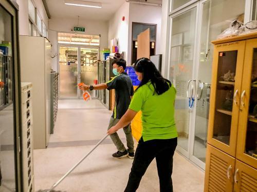 บรรพชีวิน.Big cleaning Day 180363 ๒๐๐๓๑๘ 0070
